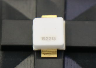 Gallium Nitride 28V RF Power Transistor Wide Band 700 To 5000MHz 25W Long Lifespan